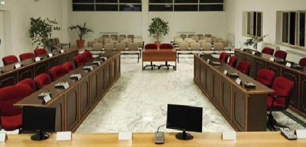 Taranto – Crisi stabilimento Leonardo di Grottaglie recuperare la dignità istituzionale del Consiglio Comunale