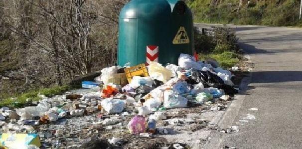 La risorsa di rifiuto. L'Europa ogni anno è alle prese con i suoi due miliardi di tonnellate di rifiuti