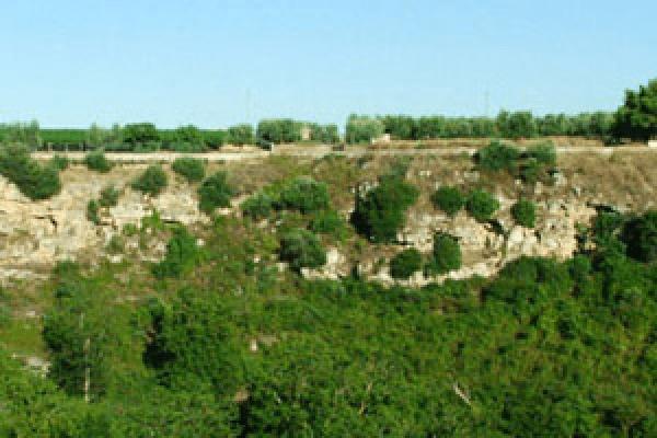 Acquaviva delle Fonti – dolina carsica riempita con inerti
