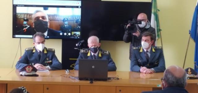 Guardia di Finanza di Salerno e Taranto – 45 misure cautelari per truffa dei carburanti