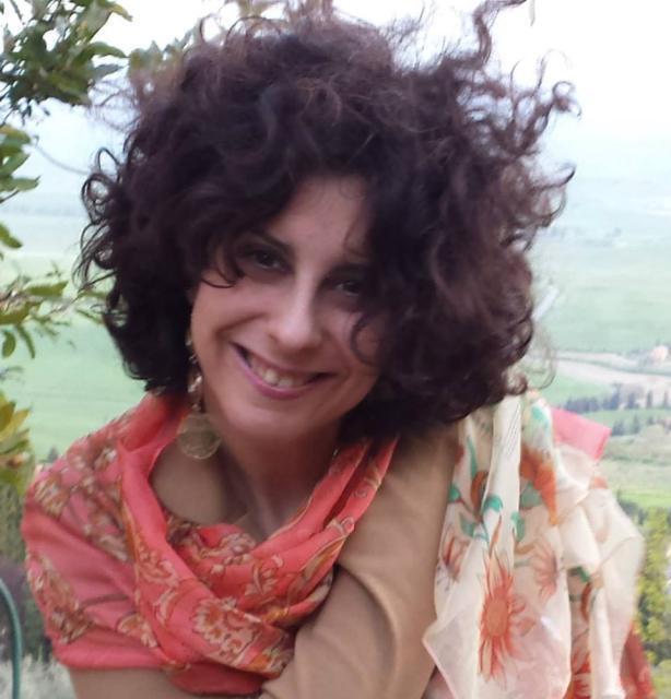 """Un """"viaggio emozionale"""" per esplorare sé stessi. Intervista a Carmen Talarico"""