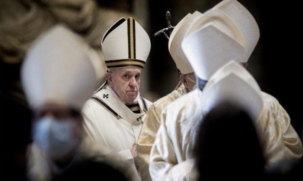 Intervento chirurgico per il Papa