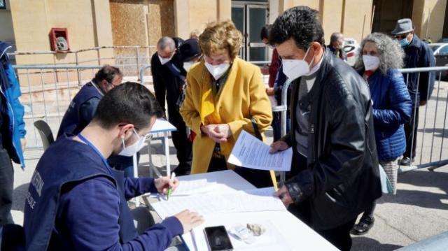 Volontari reclutati per la campagna vaccinale della Regione Puglia