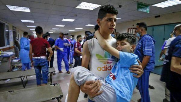 Notte di bombardamenti su Gaza: almeno 69 finora le vittime palestinesi