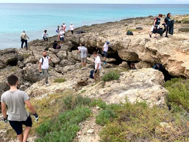 "Taranto – Rotaract: ""Pulizia coast to coast"""