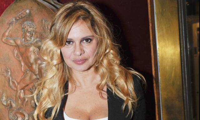 """Debora Caprioglio: """"Vi racconto l'amore tossico di Mènage"""""""