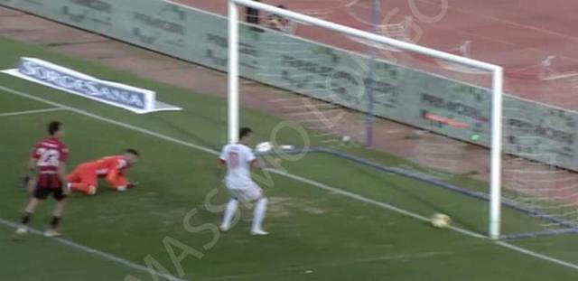 Il Bari è tornato nei playoff. Battuto il Foggia