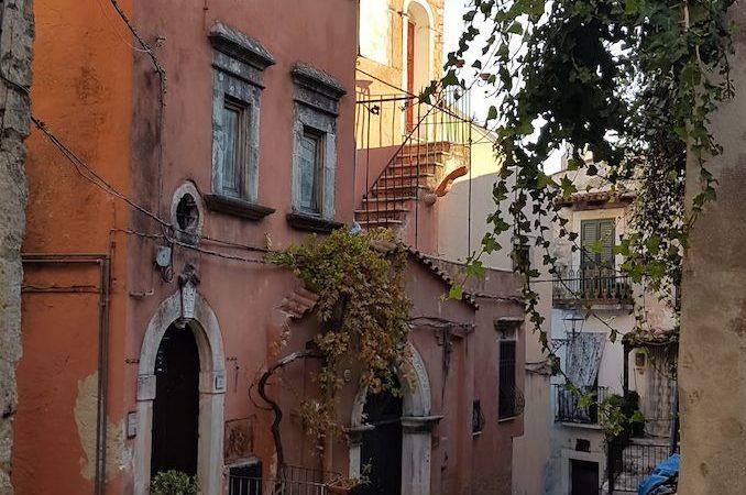 """Vico nella rete """"Pugliautentica"""": portale online e guida pocket"""
