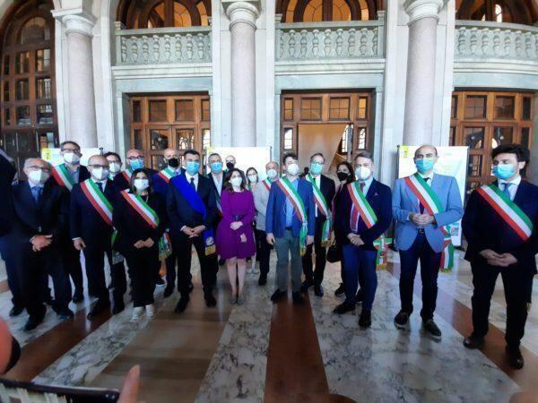 Viceministro castelli incontra i sindaci dell'area metropolitana. Presentate le buone pratiche della citta'metropolitana