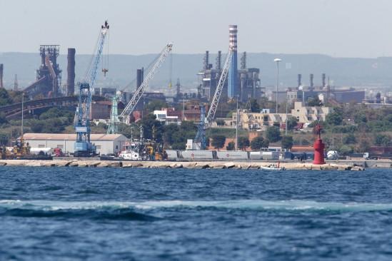 Taranto, l'ex Ilva non chiuderà