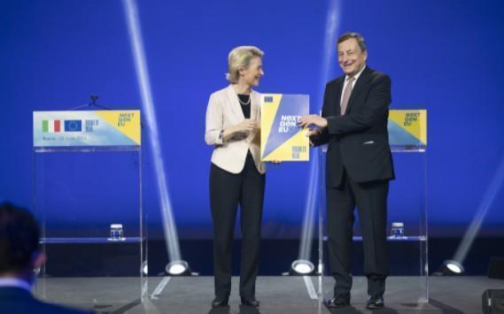 Von Der Leyen a Draghi, 'Italia modello per la ripresa'