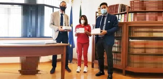 Taranto – Dagli Avvocati 400 tamponi rapidi alla CRI