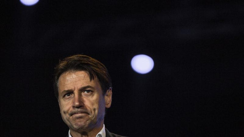 Conte finto desaparecido lavora (con Travaglio e contro Di Maio) per tornare in scena dopo Draghi