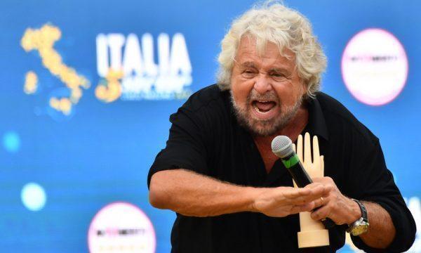 """Grillo 'licenzia' Conte: """"Non ha visione politica, né capacità manageriale"""""""