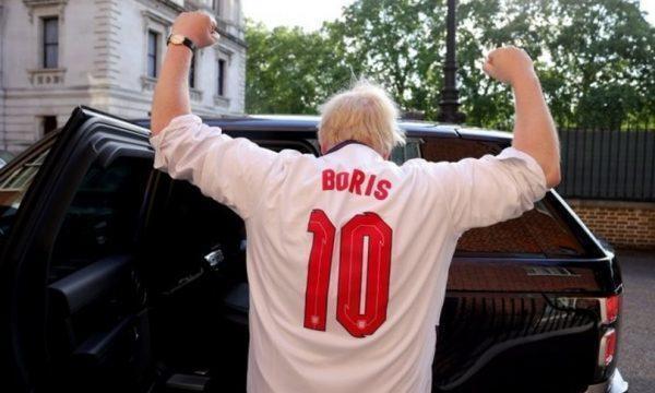 """Johnson incita la nazionale inglese: """"portate a casa la coppa"""""""