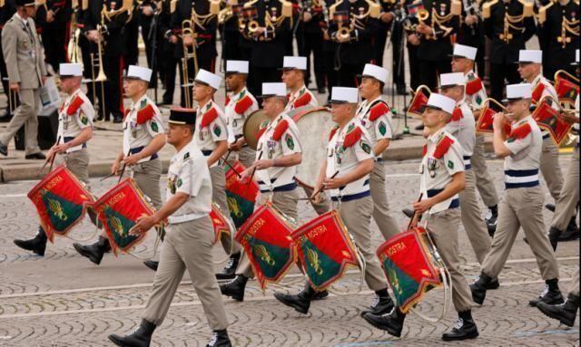 In Francia torna la parata sugli Champs-Elysées per la festa nazionale