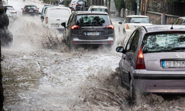 Sarà un weekend di piogge e temporali anche al centrosud, rischi di allagamenti