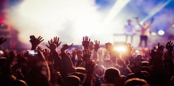 Il comparto dei festival, tour, concerti teme la chiusura, appello al Ministro