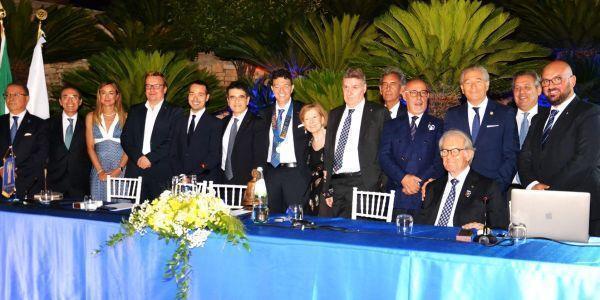 Passaggio del martelletto al Rotary Taranto Magna Grecia