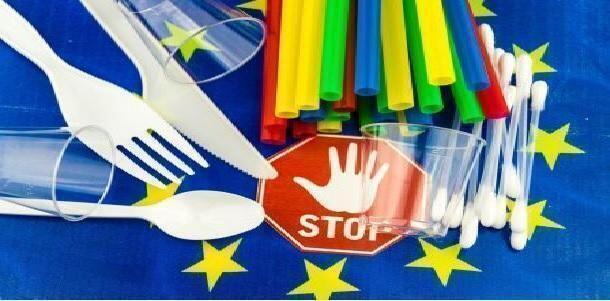 STOP plastica da oggi: bicchieri, cannucce, piatti e posate