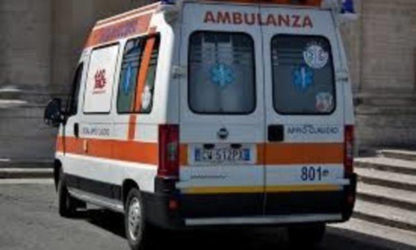 Una bambina di 10 anni è caduta dal balcone a Lecce