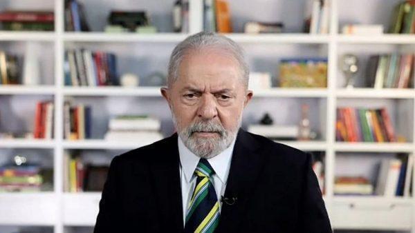"Lula verso una nuova presidenza: ""Bolsonaro genocida e fascista"""
