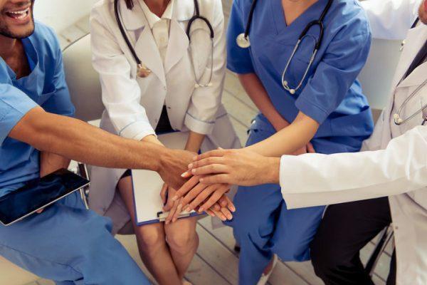 Codici: impugneremo il provvedimento che prevede la sospensione per gli operatori sanitari nonvaccinati