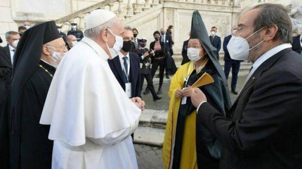 Basta con i radicalismi religiosi
