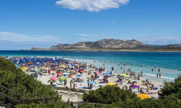 Negli alberghi della Sardegna le prenotazioni reggono, poche le disdette