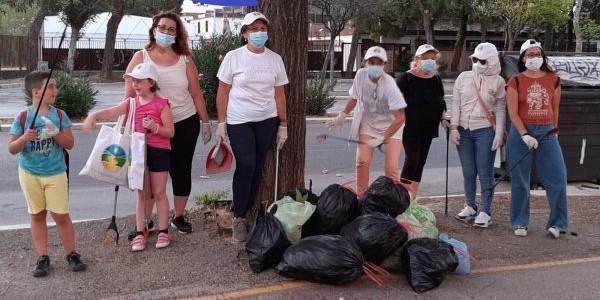Raccolta rifiuti in Viale Luigi Pinto a Foggia