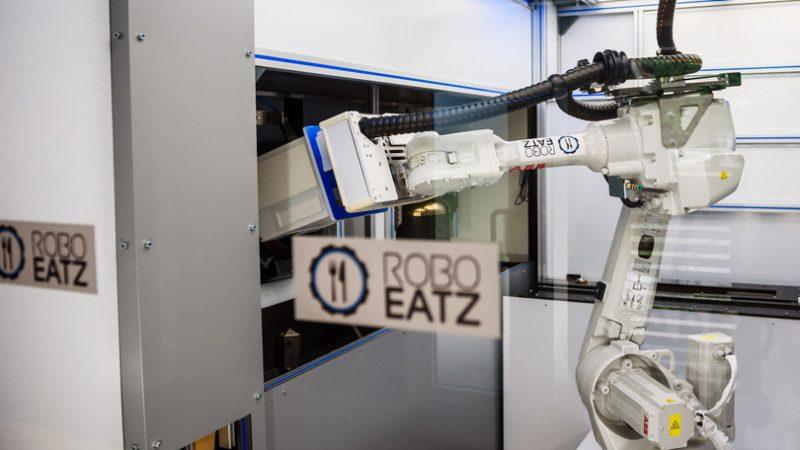 A Rigail robot-chef che prepara il futuro tech dei ristoranti