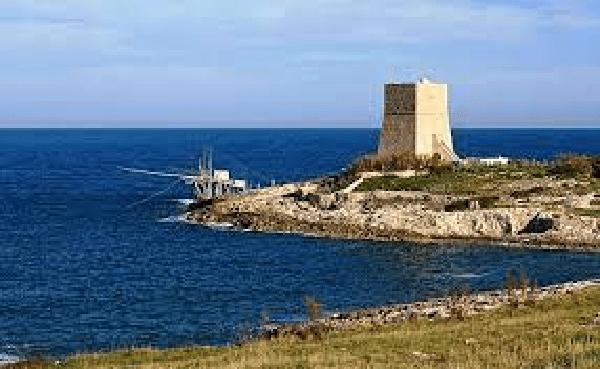 Torri costiere di Puglia: una straordinaria corona di pietra a protezione della incantevole costa pugliese e dei suoi abitanti